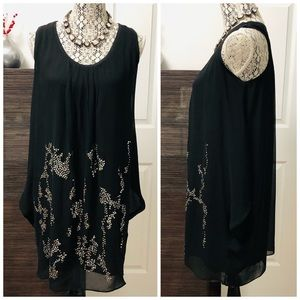 📣 Black Flowy Dress with Sequin Pattern